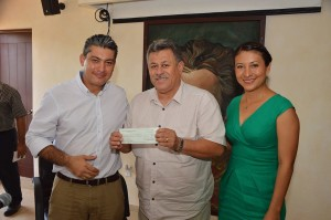 President Eric Receives Check from Palm Dessert